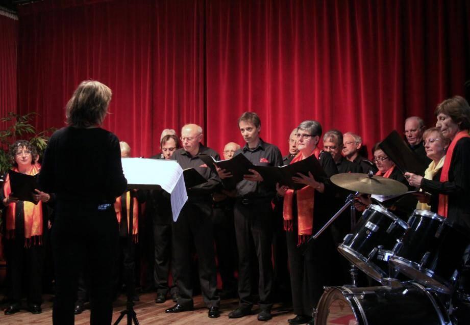 Le Chœur du Pays mentonnais a assuré la 1e partie de ce concert caritatif programmé dans le cadre de « Mille Chœurs pour un regard ».