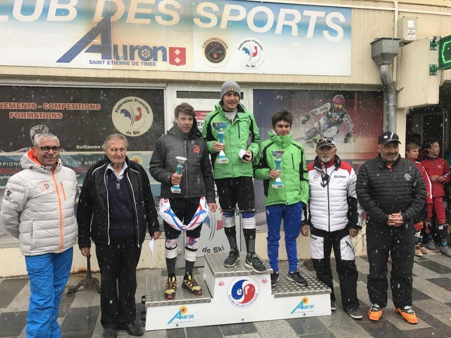 Le podium scratch du slalom géant masc ulin à Auron.