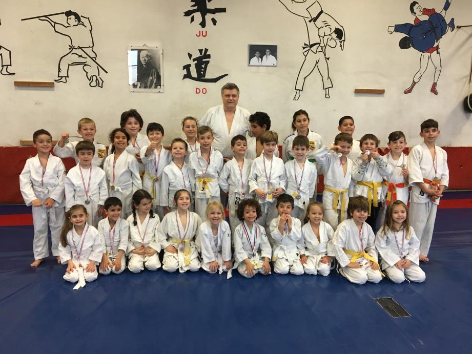 La relève du judo roquebrunois s'est distinguée à Tourette-Levens. (DR)