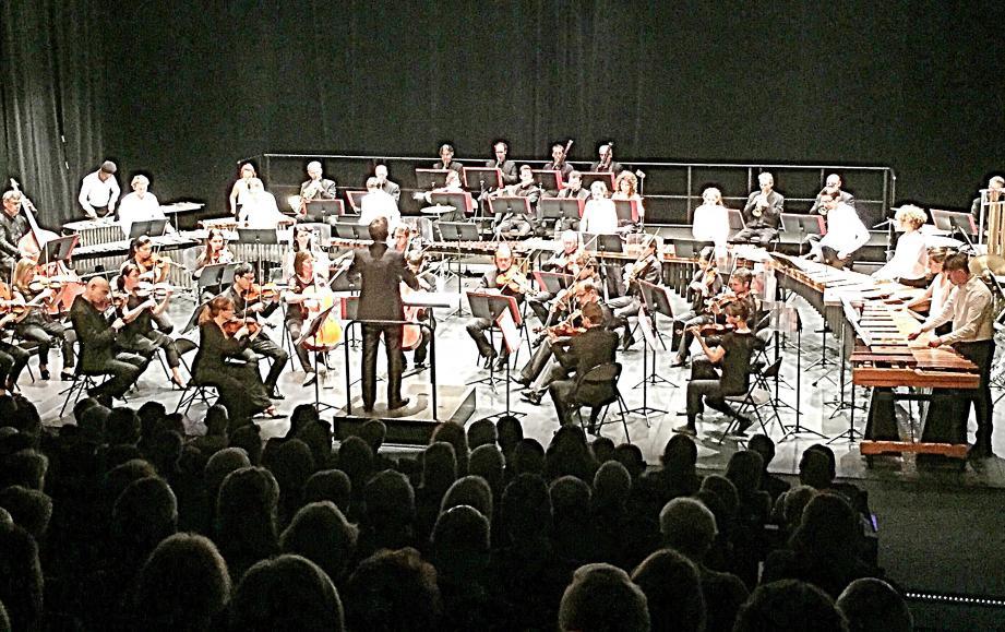L'orchestre de Cannes et l'orchestre de percussions de la Côte d'Azur ont fait concert commun dans le cadre de  « Scène 55 ».