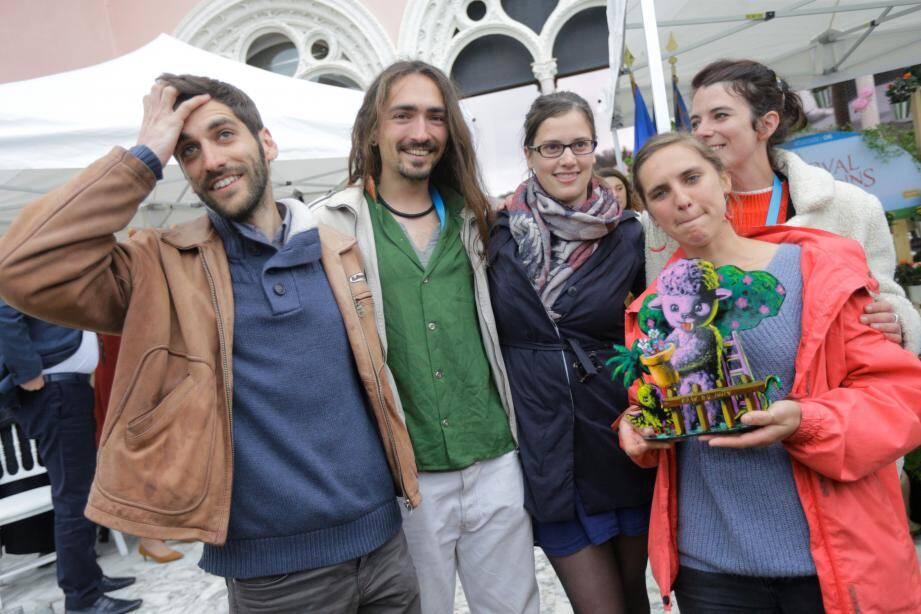 Samuel Bonnefoi, Mathieu Pasquereau, Judith Lemoine et Clémentine Lescanne ont aussi gagné une œuvre de Moya.