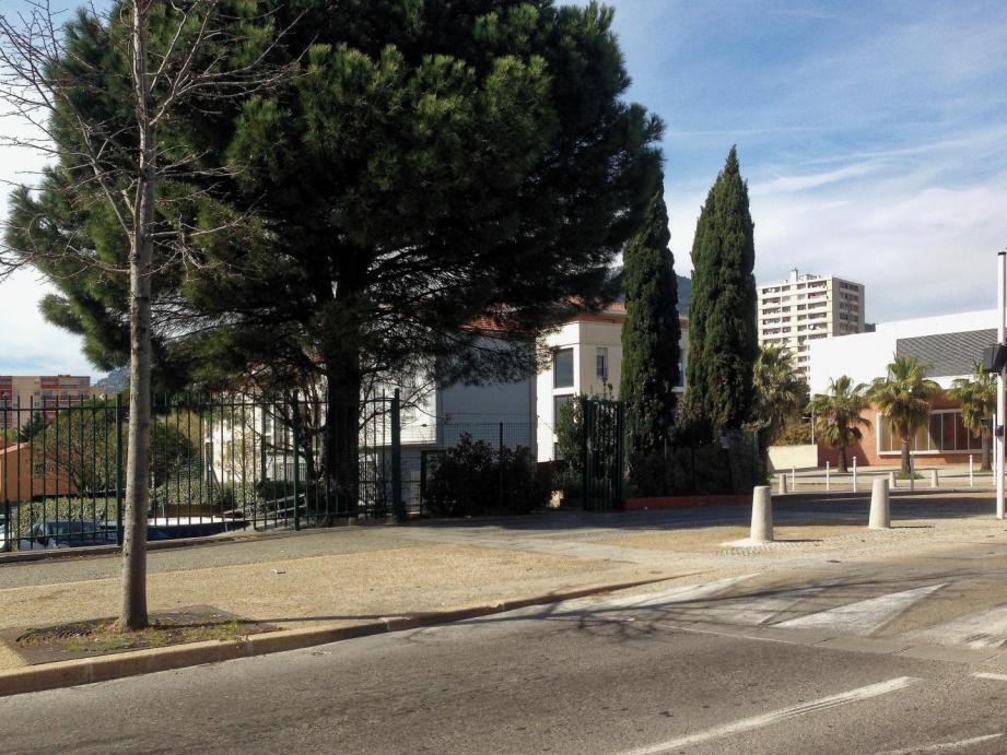 C'est le long du boulevard des Amaris que la famille a été agressée