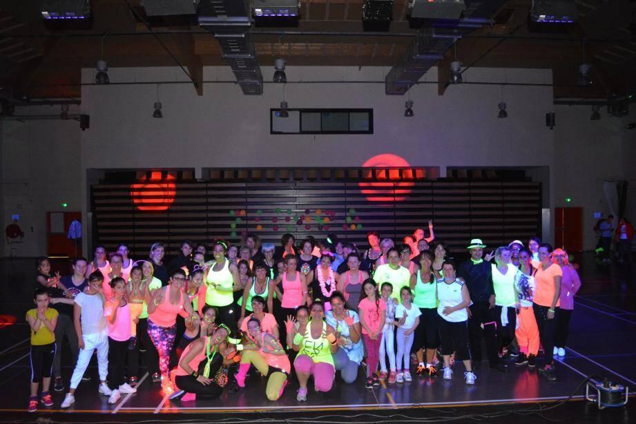 Une assistance enjouée et colorée a animé la soirée organisée à la salle polyvalente.