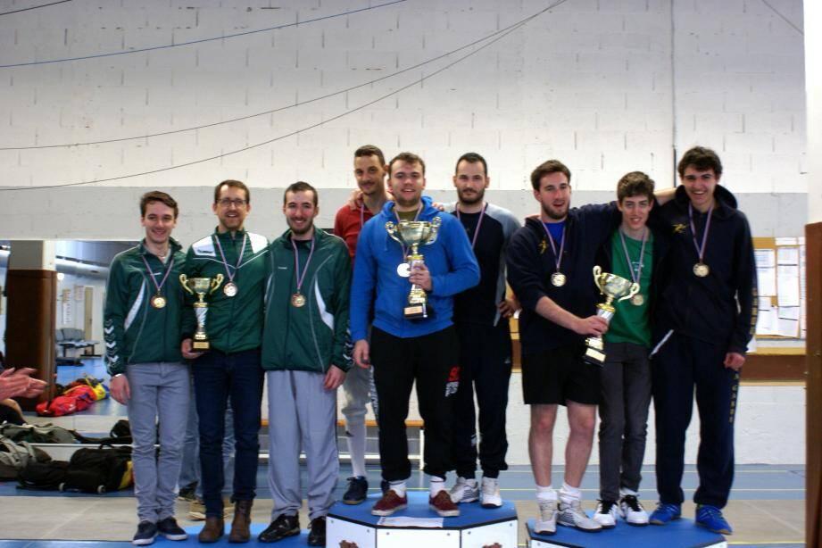 Pour la première fois, l'AJS escrime organisait le championnat régional.