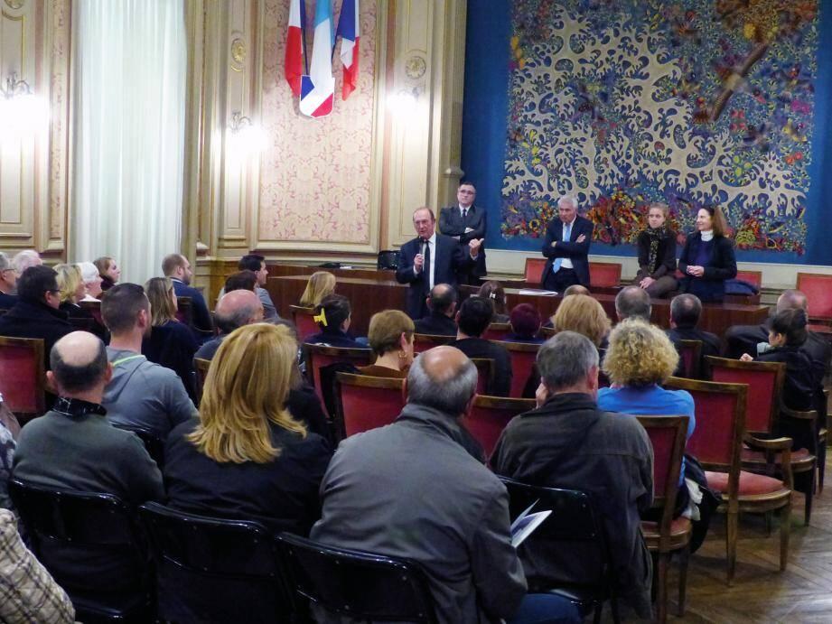 Les néo-mentonnais sont accueillis deux fois par an par le député-maire, Jean-Claude Guibal.