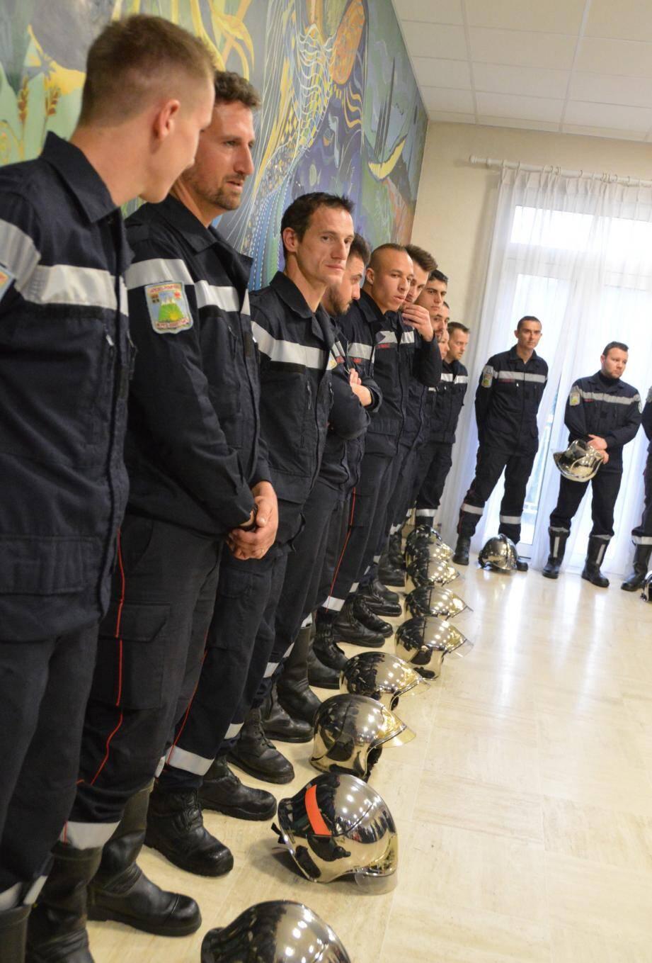 Les hommes du centre de secours mis à l'honneur pour leur implication et leur dévouement.