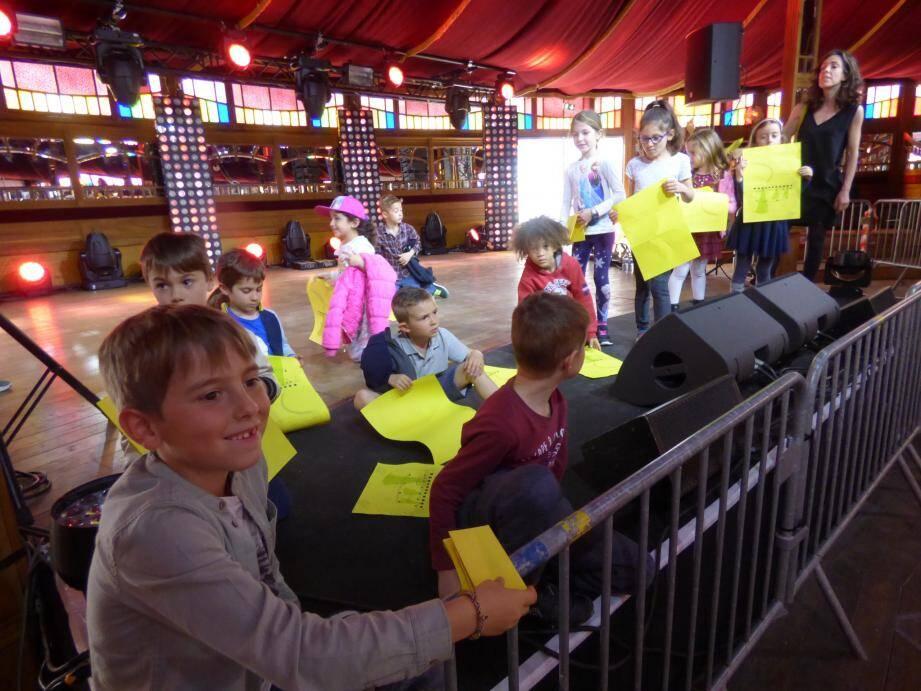 Visite instructive hier après-midi de « La Carpa » pour des écoliers de Vence.