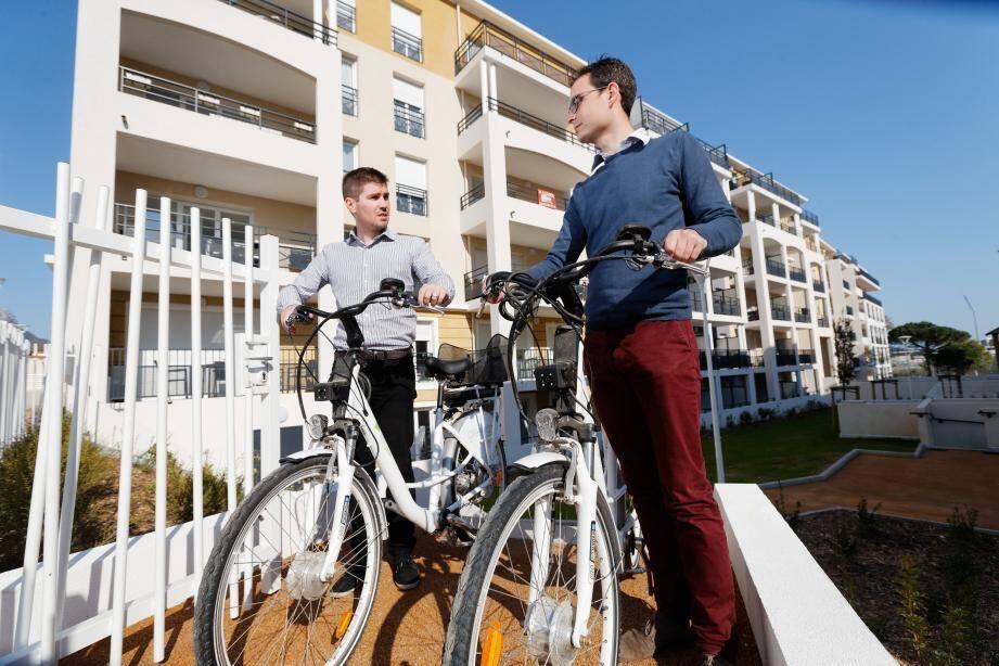 La flotte de vélos à assistance électrique est dans un premier temps réservée aux habitants et commerçants de l'écoquartier de Font-Pré.