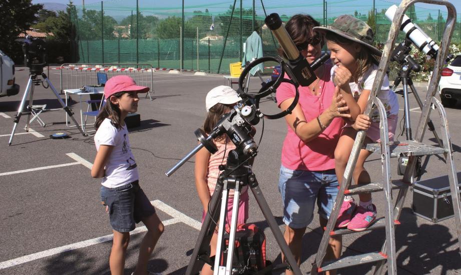 Des ateliers d'observation solaire et stellaire seront mis en place sur l'aire des Magnoti.