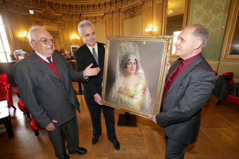 De gauche à droite. Jean-Pierre Vailland, son fils, Pierre Vailland, et Éric Chevalier.(DR)