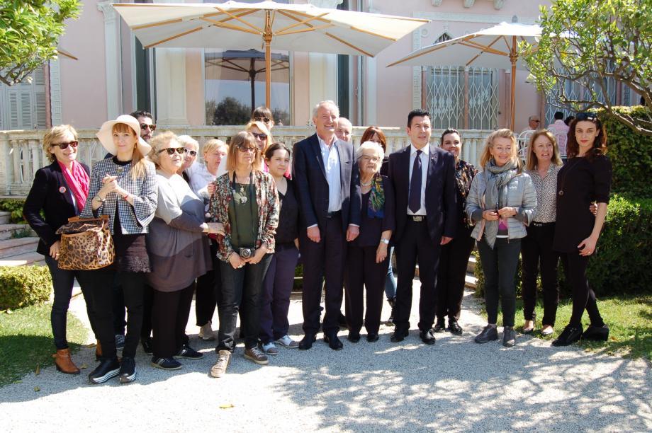 Elus et journalistes réunis sous le soleil printanier pour promouvoir les splendeurs secrètes de la Côte d'Azur.