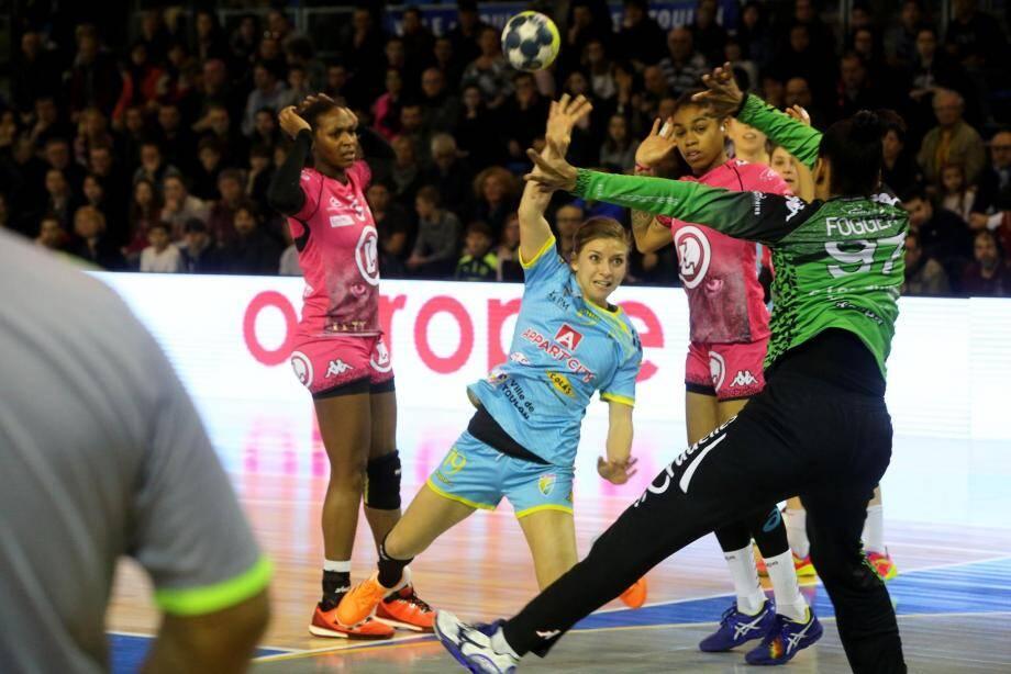 Laurène Catani et les Toulonnaises devront passer l'obstacle Foggea pour se hisser en demi-finale.