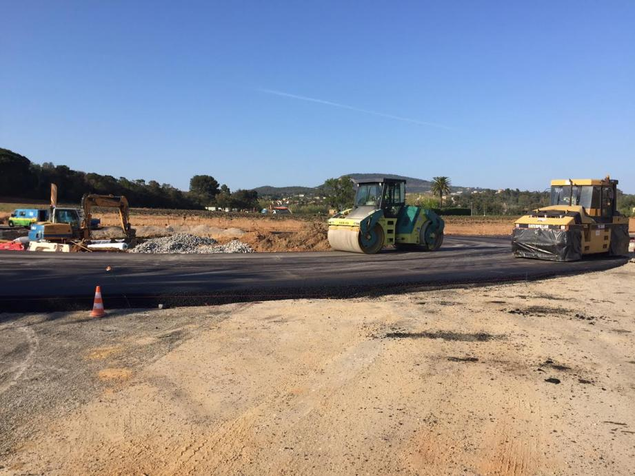 Les travaux sur la route de Saint-Pons se poursuivent juqu'au mois de mai. Un giratoire provisoire devrait être mis en service le 24 avril et les enrobés seront posés de nuit.
