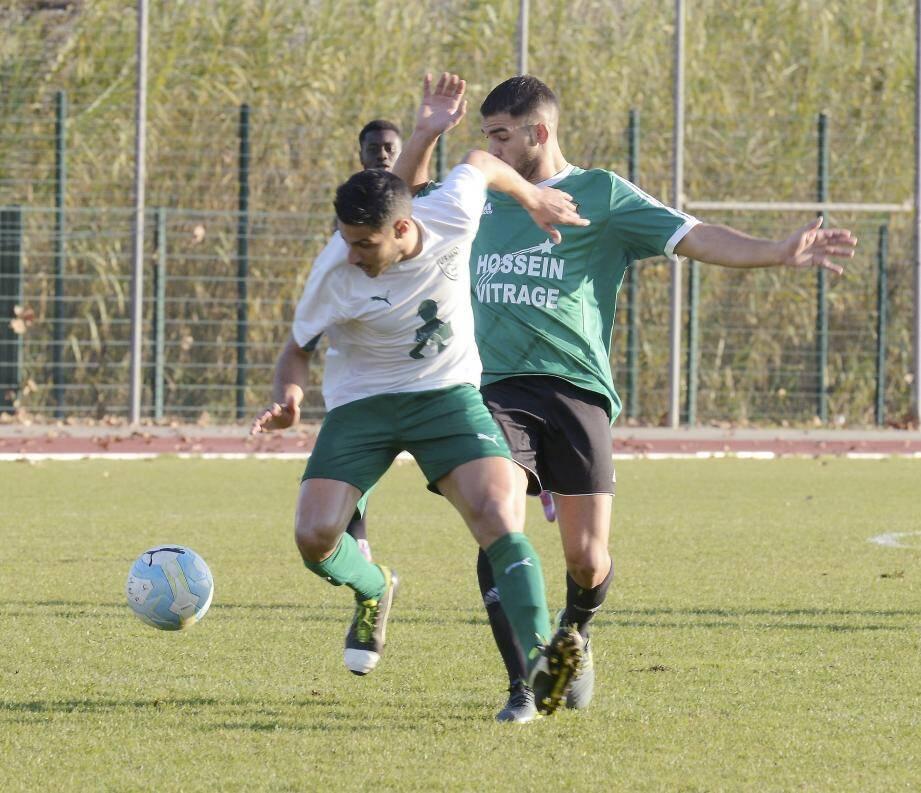 à l'aller, les Valettois (en vert et noir, ici contre Mandelieu) avaient récolté un match nul dans les Alpes-Maritimes.