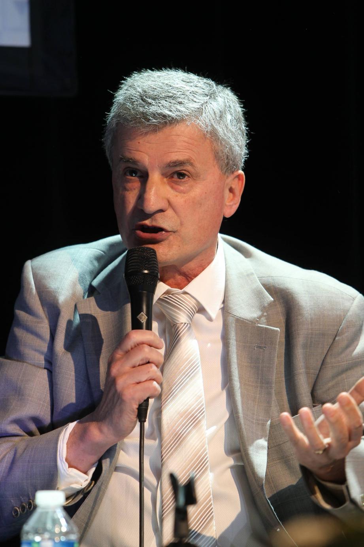 Francis José Maria.