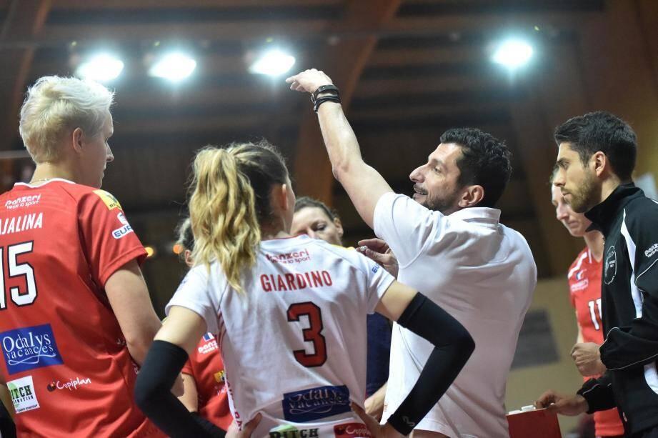 Pourtant moins bien classées que Béziers après la saison régulière, les joueuses de Giulio Cesare Bregoli ont pris l'avantage à l'extérieur.