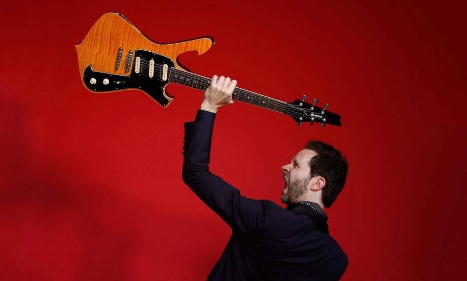 Le guitariste Paul Gilbert.(DR)