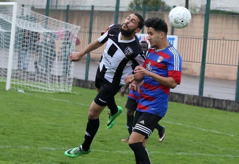Les footballeurs dracénois ont frappé un grand coup samedi en s'imposant sur le terrain du leader.