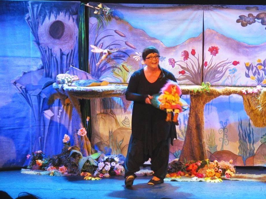 « Poucette» sera contée par le Théâtre Chou aujourd'hui.( Photo D.R)