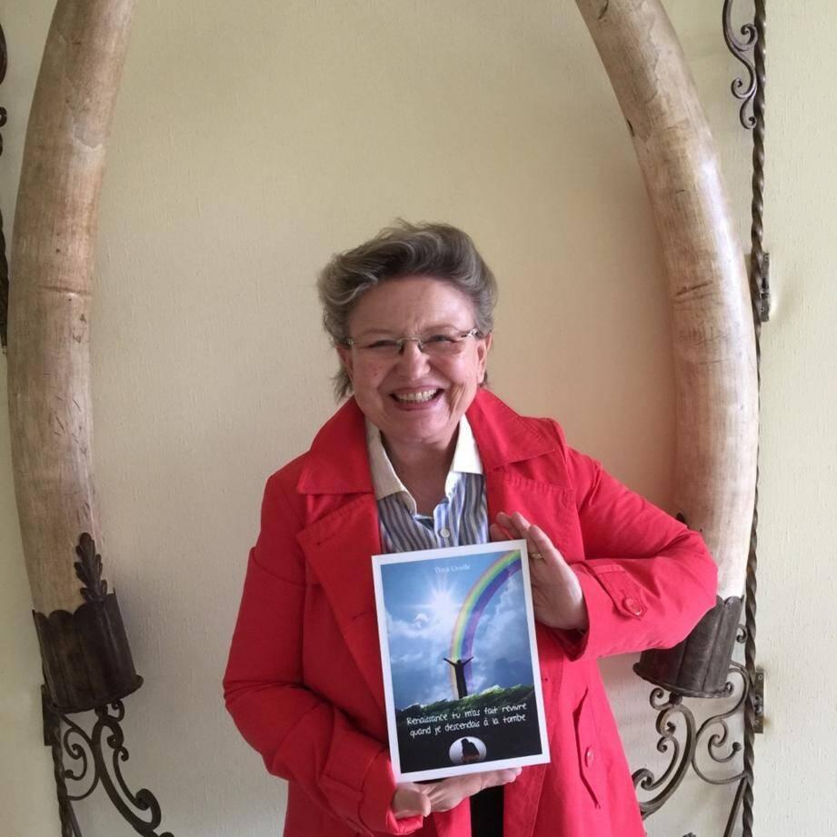 Tima Urielle, qui partira prochainement au Québec pour témoigner, a présenté son livre coup de poing dans la vallée.