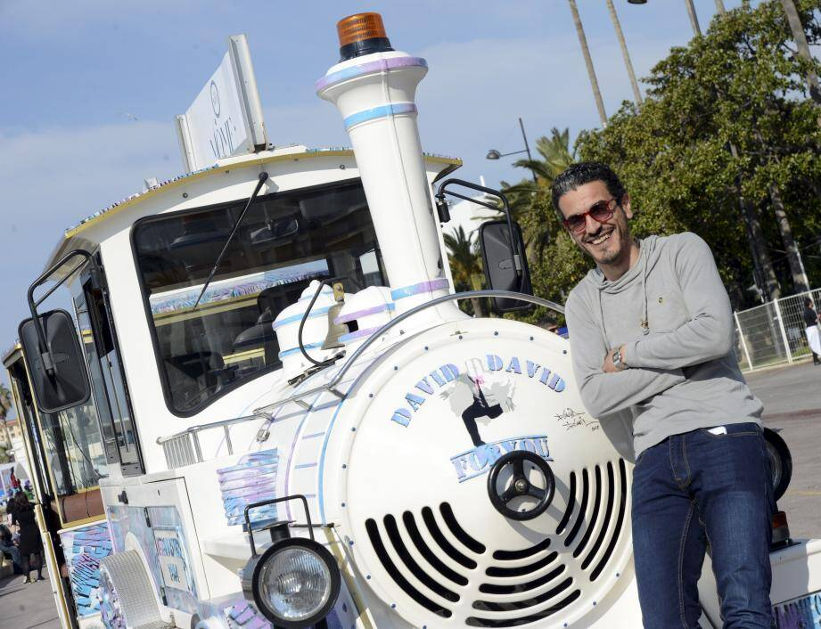 David David : une locomotive artistique pour le petit train touristique.