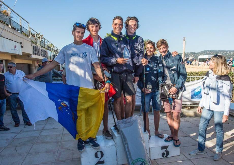 Le podium masculin, avec les Bretons au sommet.