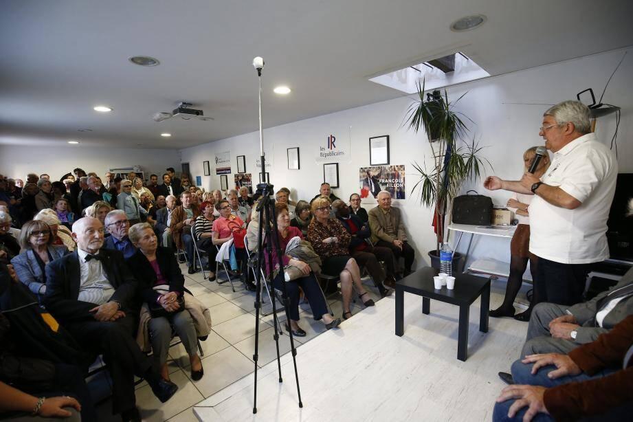 Une cinquantaine de personnes étaient réunies, hier, dans la permanence du député du Var.