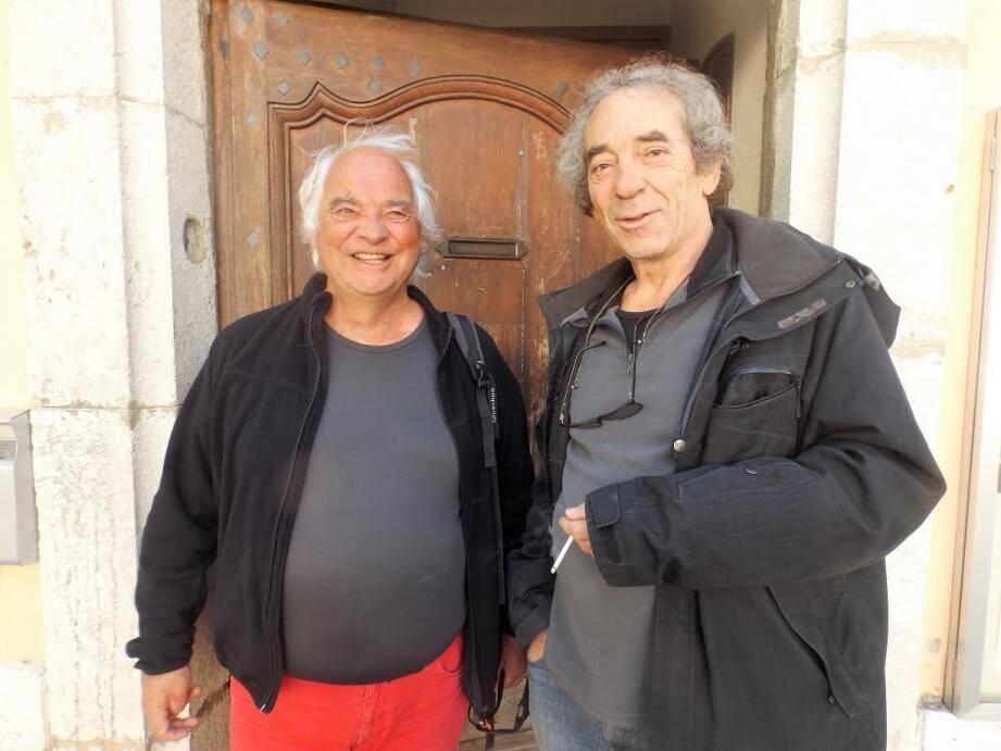 Thierry Fouris et Jacques Lebeau se réjouissent de l'énergie du Collectif d'accueil des réfugiés de Tourves.