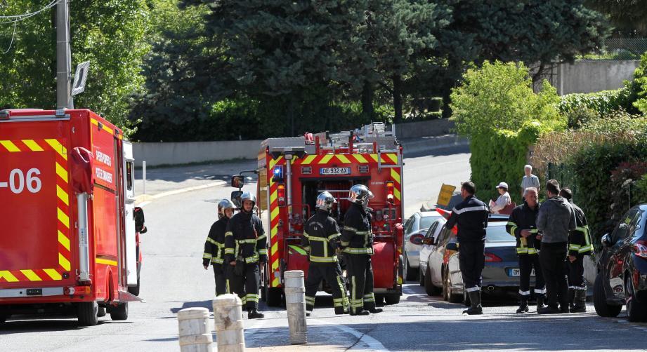 Les pompiers ce mercredi lors de l'intervention sur la fuite de gaz à Antibes.