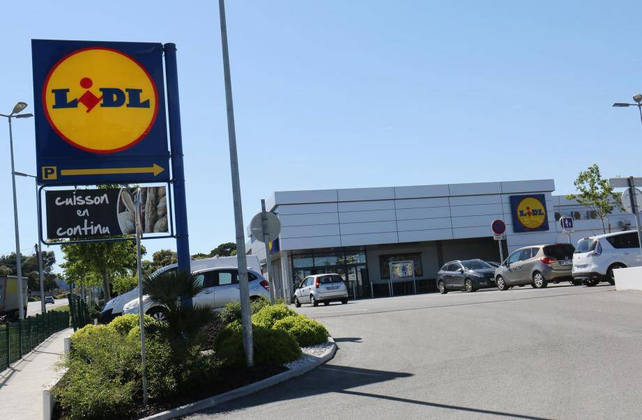 Le supermarché hard discount Lidl.