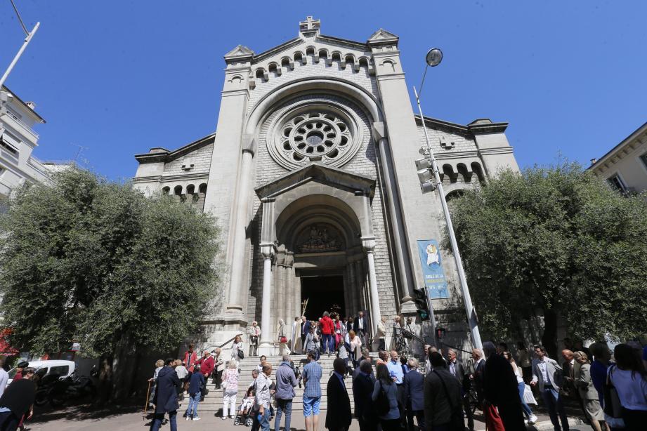 Une partie de l'église Saint-Pierre d'Arène du centre-ville de Nice a été évacuée dimanche.