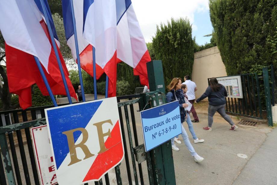 A la sortie d'un bureau de vote de Fréjus.