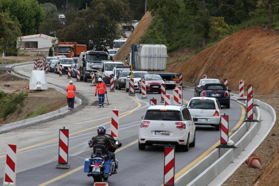 Malgré le retrait des feux de circulation, les ralentissements sont toujours d'actualité