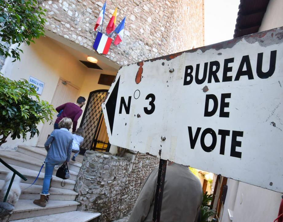 Votes massifs pour Emmanuel Macron à Saorge et victoire pour Marine Le Pen à Castillon... Le son de cloche est parfois bien différent d'une commune à une autre.