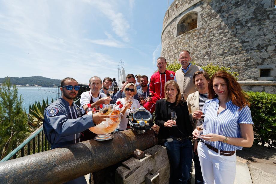 Hier au fort Balaguier, les vins de Bandol organisaient une dégustation de crus ensouillés au large de Saint-Mandrier il y a deux ans par des apprentis scaphandriers… mais repêchés l'été dernier.