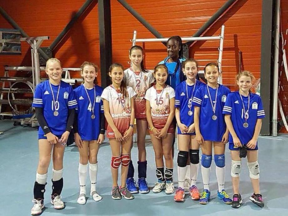 L'équipe des poussines de l'ASM, avec au centre Marina Pezelj, Rebeka Zyani et Chloé Leblanc, remporte le championnat départemental.