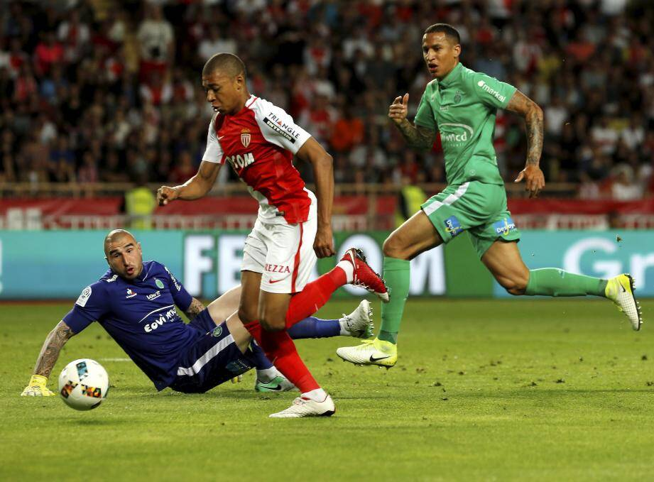 Kylian Mbappé a été une nouvelle fois au rendez-vous hier soir, pour le sacre de champion. Il ouvre le score, la voie...
