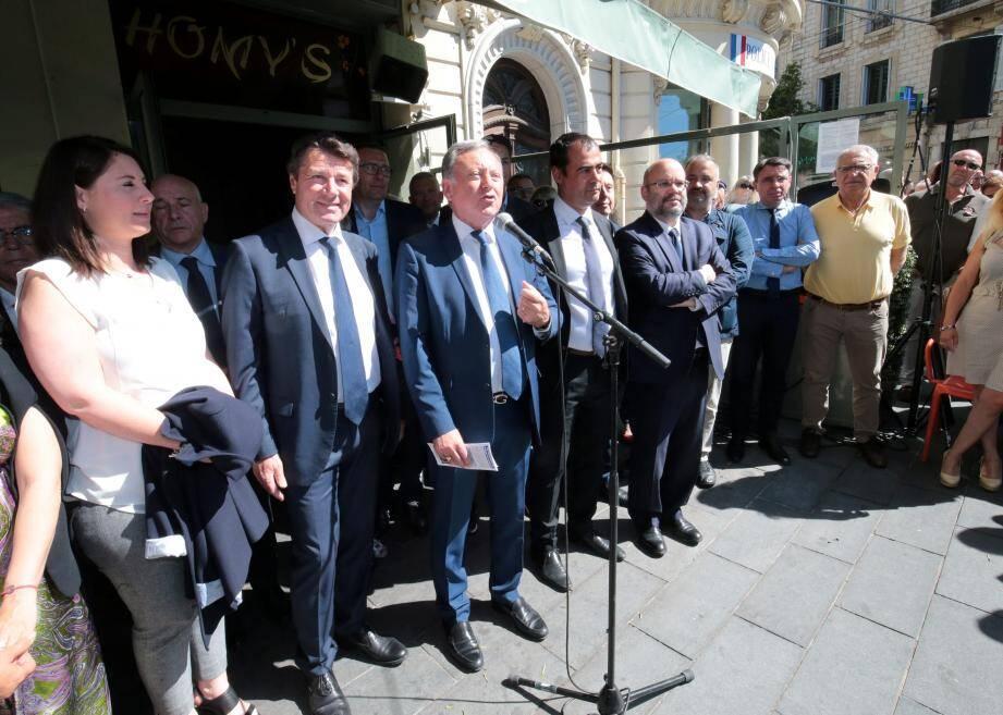 Rudy Salles, soutenu par Christian Estrosi et toute la majorité municipale a donné, hier matin, le coup d'envoi de sa campagne pour la 3e circonscription.