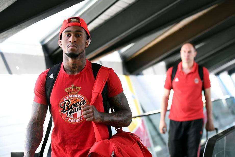 Dee Bost à l'arrivée à Lyon hier après-midi : l'AS Monaco est en mission.