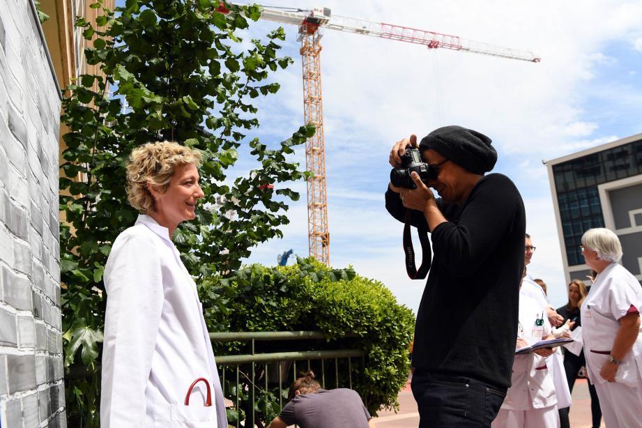 """L'artiste monégasque Anthony Alberti a proposé """"une respiration positive au milieu du chantier"""" du CHPG."""