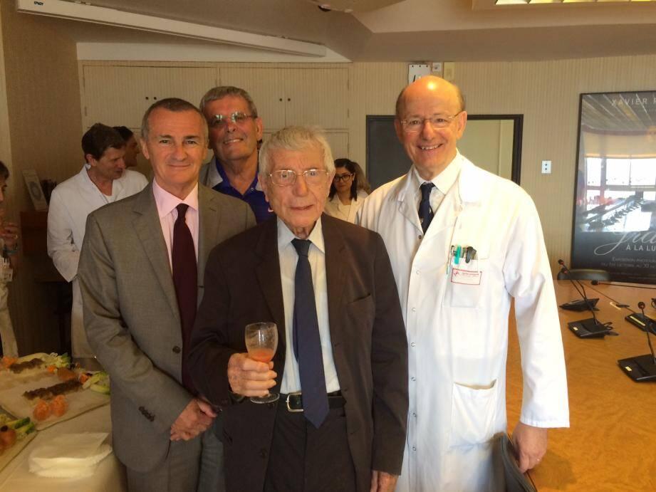 Patrick Bini, directeur du CHPG, le docteur Claude Cocchi, cardiologue, le donateur Michel de Kolytcheff et le professeur Saoudi sont rentrés en contact à l'automne dernier.