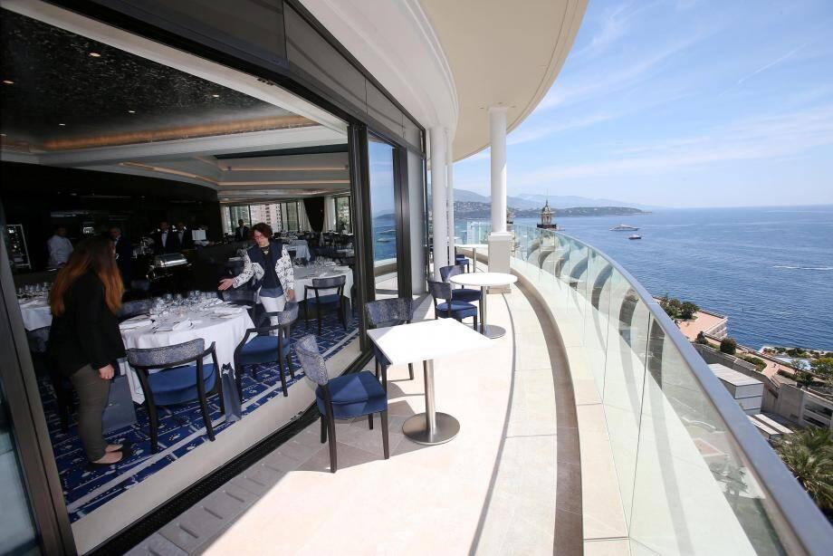 Le restaurant a gagné une terrasse plus vaste qui affiche complet ce week-end pour le Grand Prix.
