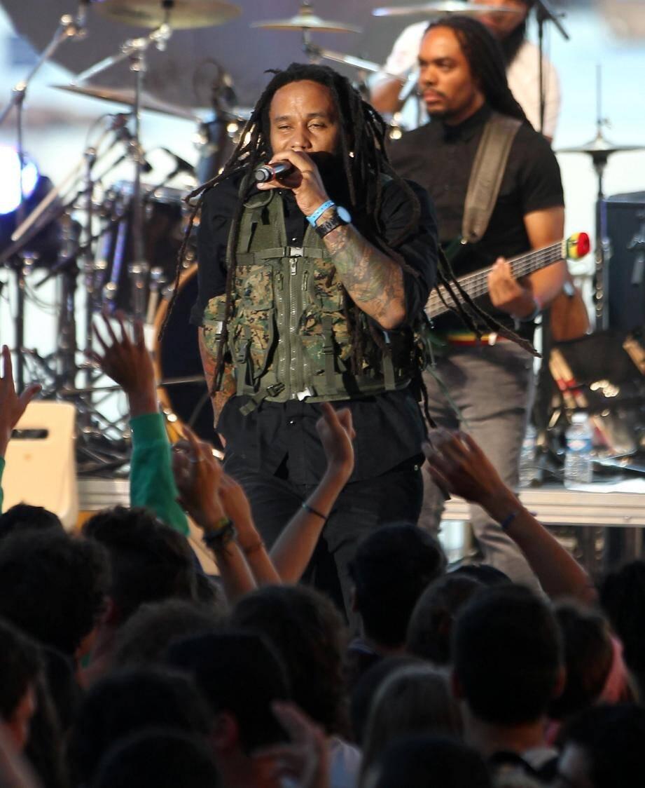 Ky-Mani Marley lors du 19e Big reggae festival à Juans-les-Pins en 2014.