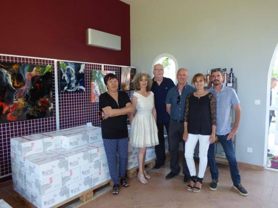 Autour de l'artiste (2e à dte), Daniel Maria, Agnès et Jean-Michel-Just qui accueillent l'expo.