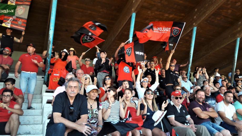 Dimanche, les supporters du RCT ont donné de la voix dans la tribune de Pézenas.