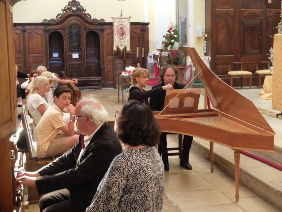 Noël Fornari, à gauche sur l'orgue, et Sivano Prodi au clavecin: du grand Vivaldi pour un concert indédit.