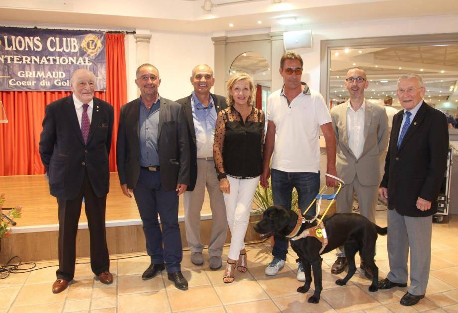 Autour du président Morin (2e à droite) et du maire Alain Benedetto (2e à gauche), tous les protagonistes de cette soirée.