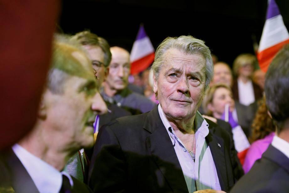 Alain Delon au meeting d'Alain Juppé.