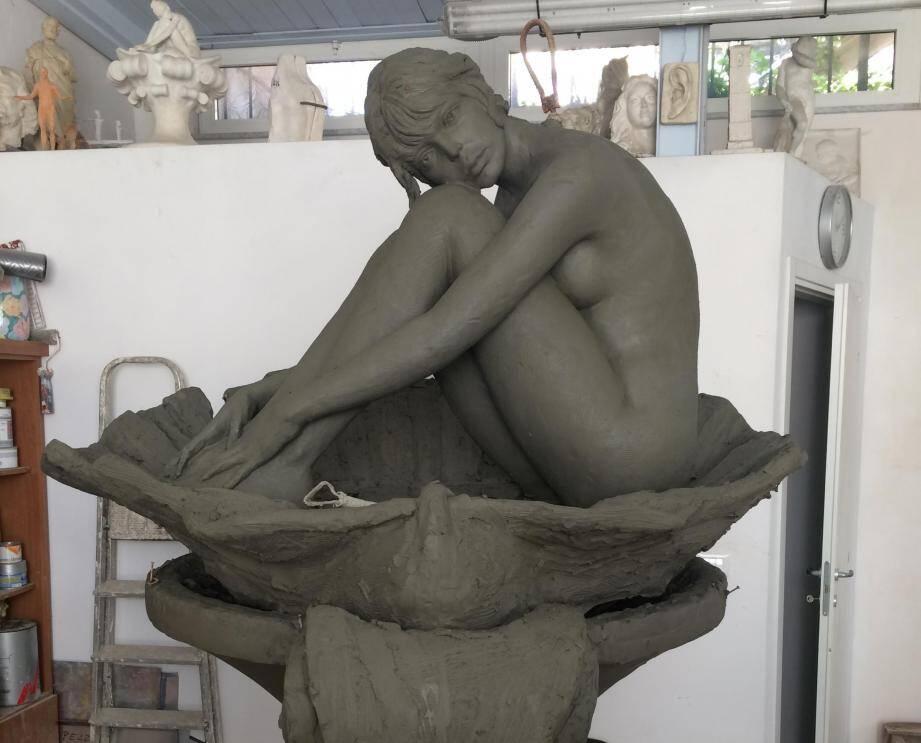 La statue de BB.