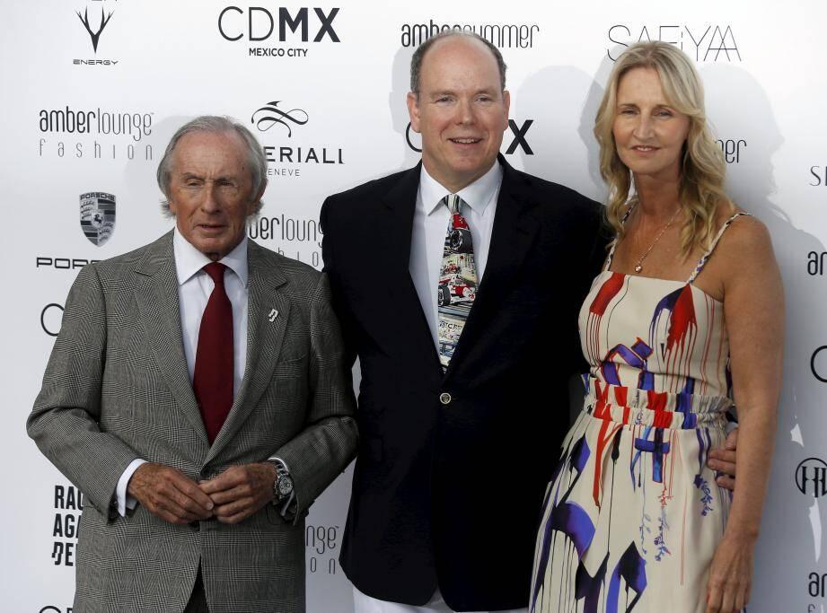 Jacky Stewart, le Prince Albert II de Monaco et Sonia Irvine Amber